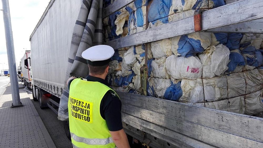 śmieci z anglii - ITD Poznań