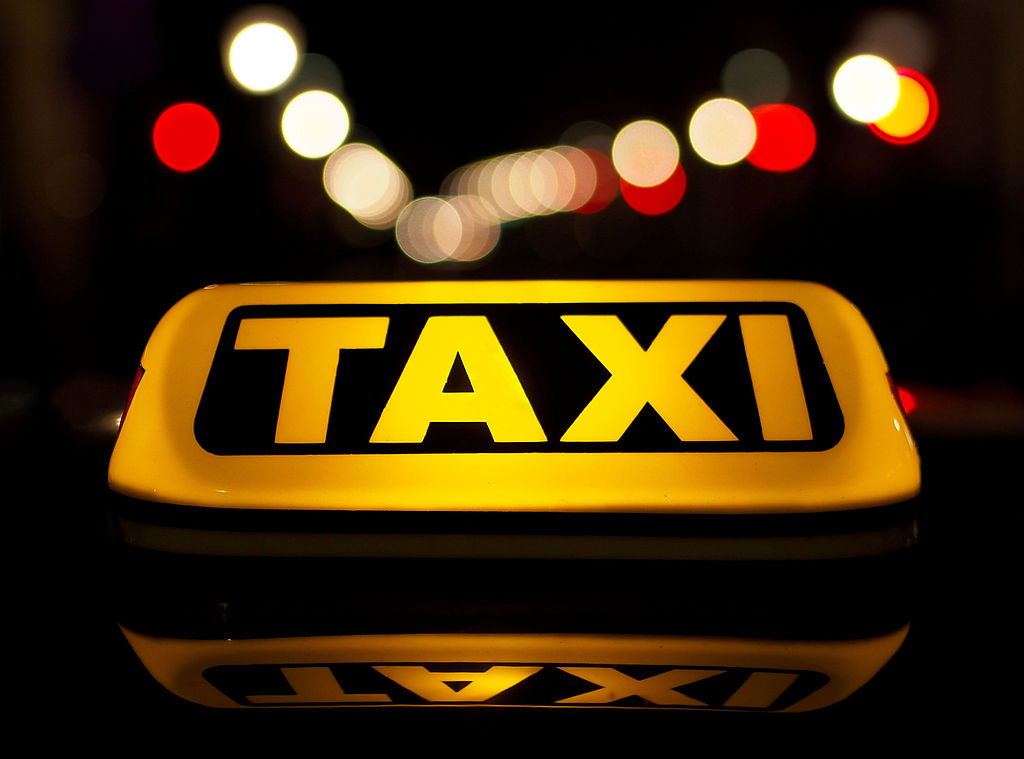 taxi taksówka - Petar Milošević - CC: Wikimedia Commons