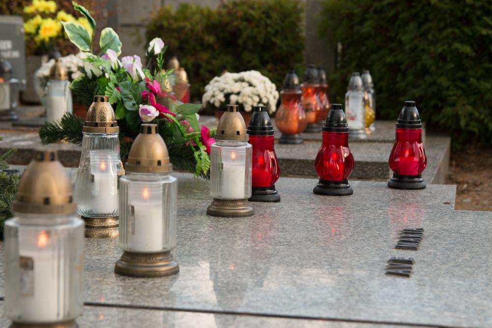 cmentarz 1 listopada wszystkich świętych zaduszki - Karolina Rej
