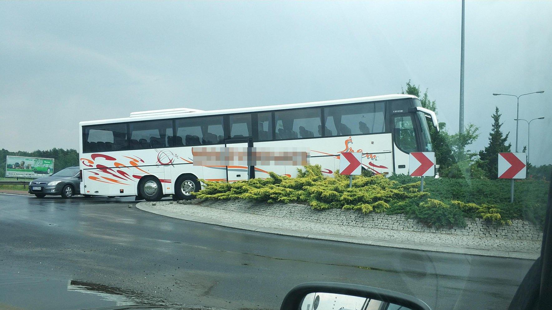 autobus na rondzie - Śrem na sygnale - Facebook