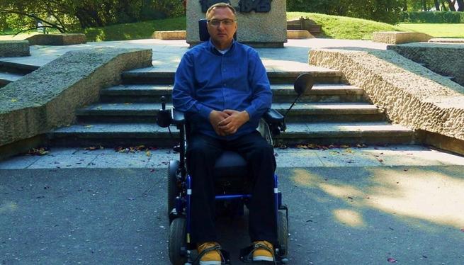 Pan Sławomir Szymski wózek - siepomaga.pl