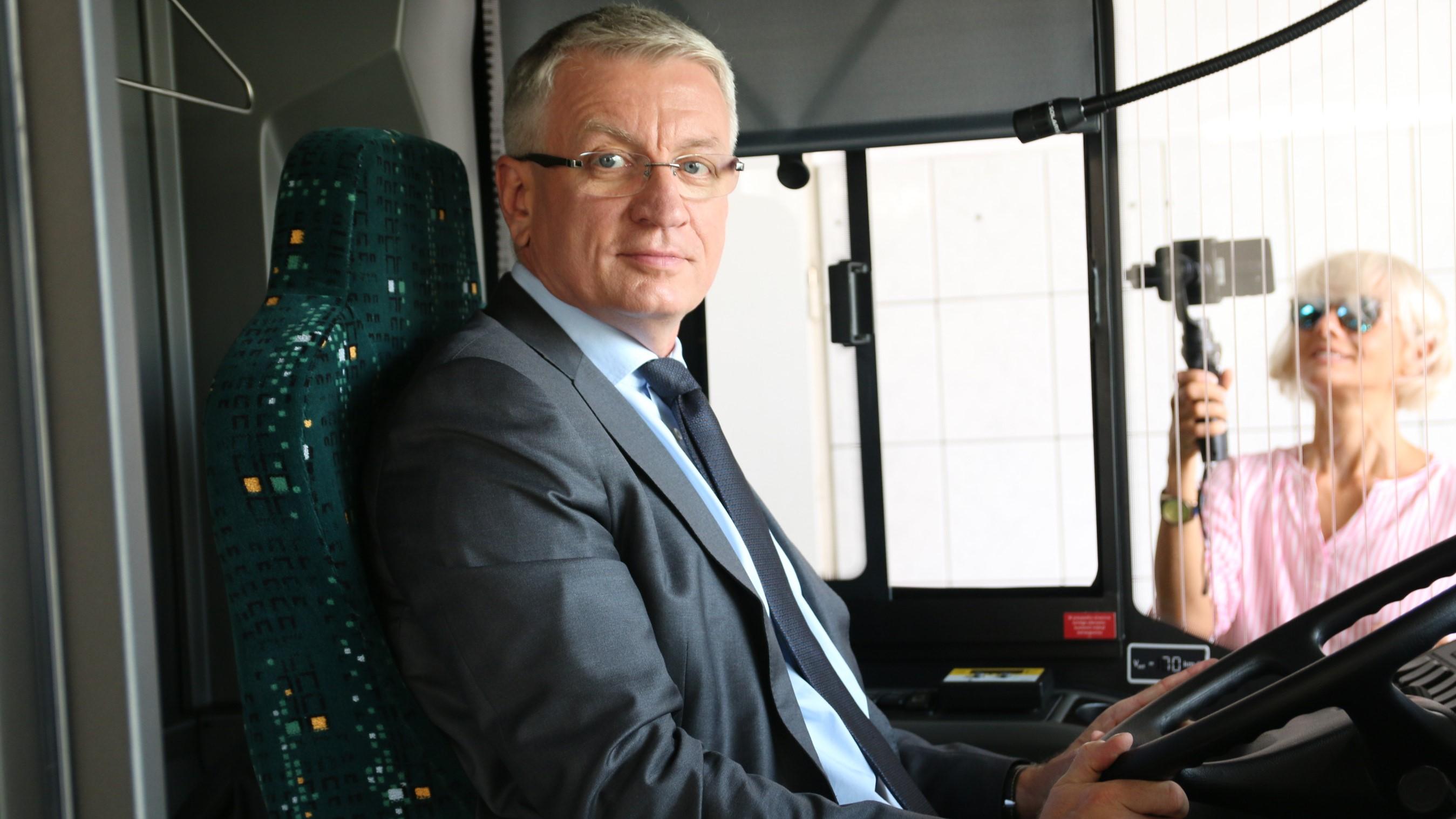 Jacek Jaśkowiak w autobusie solaris mpk - Błażej Prochera