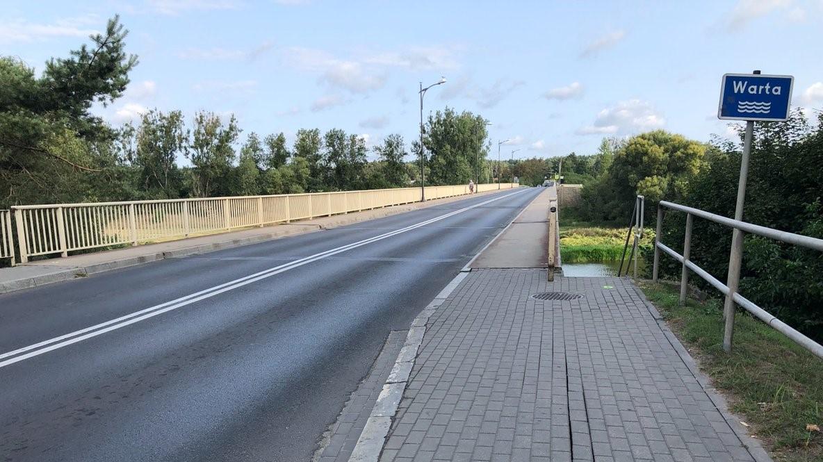most we wronkach popękany - Zbigniew Hoffmann Twitter