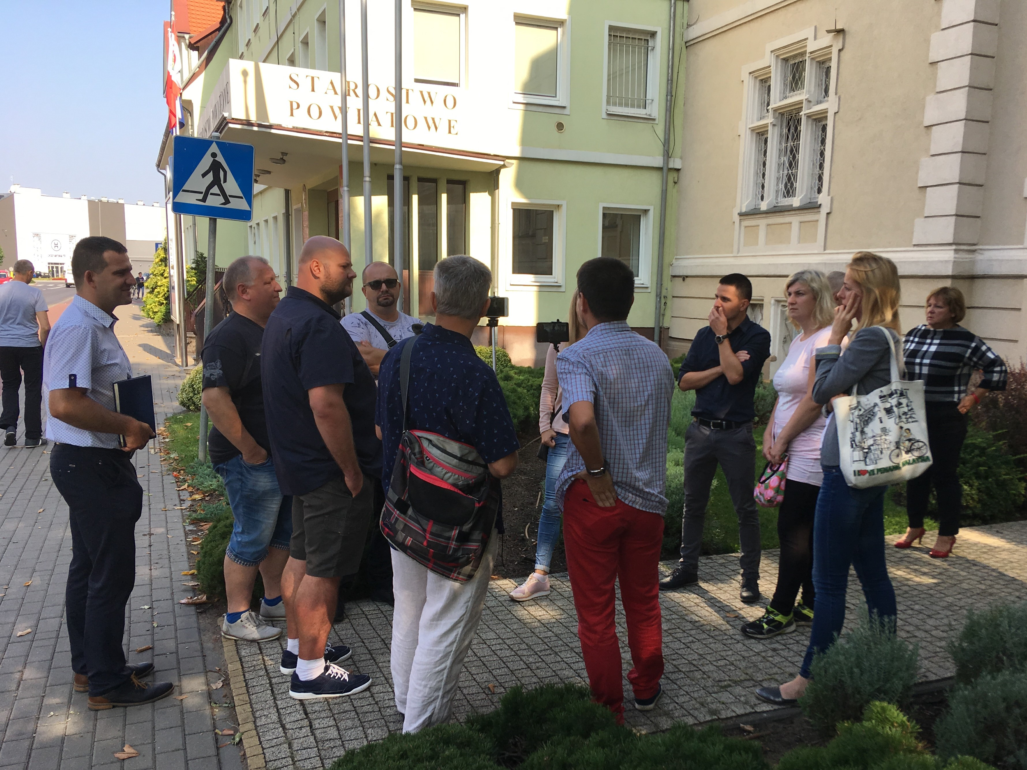 protest pod przedszkolem nowy tomyśl - Andrzej Ciborski