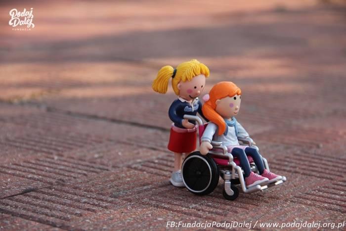 niepełnosprawni wózek podaej dalej - www.facebook.com/pg/FundacjaPodajDalej