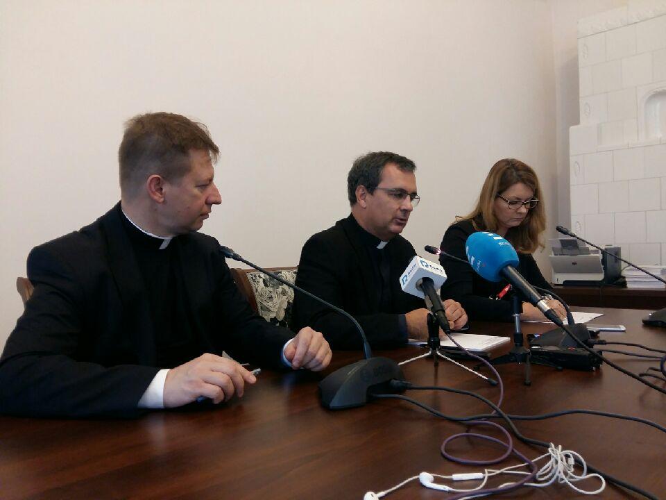 biskupi episkopat obrady - Magdalena Konieczna
