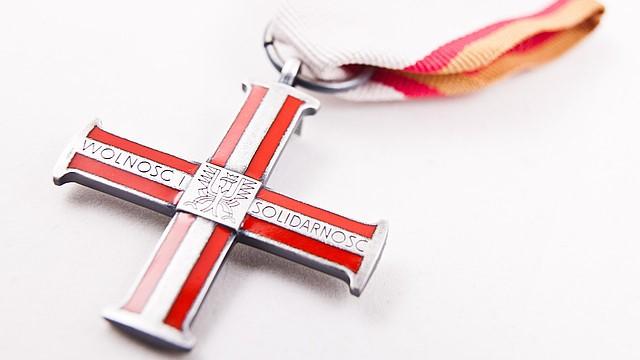 Krzyż Wolności i Solidarności - Kancelaria prezydenta RP