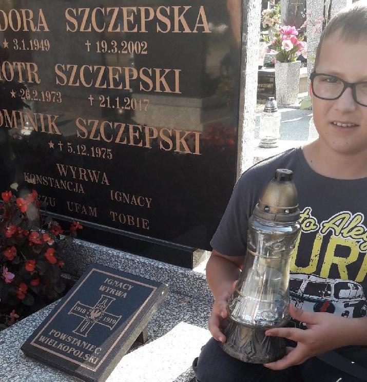 Antoni Rybarczyk klasa 4c szkoła  59 w Poznaniu  Znicz  Pamieci został zapalony: w Puszczy Nadnoteckiej w miejscowości Rosko