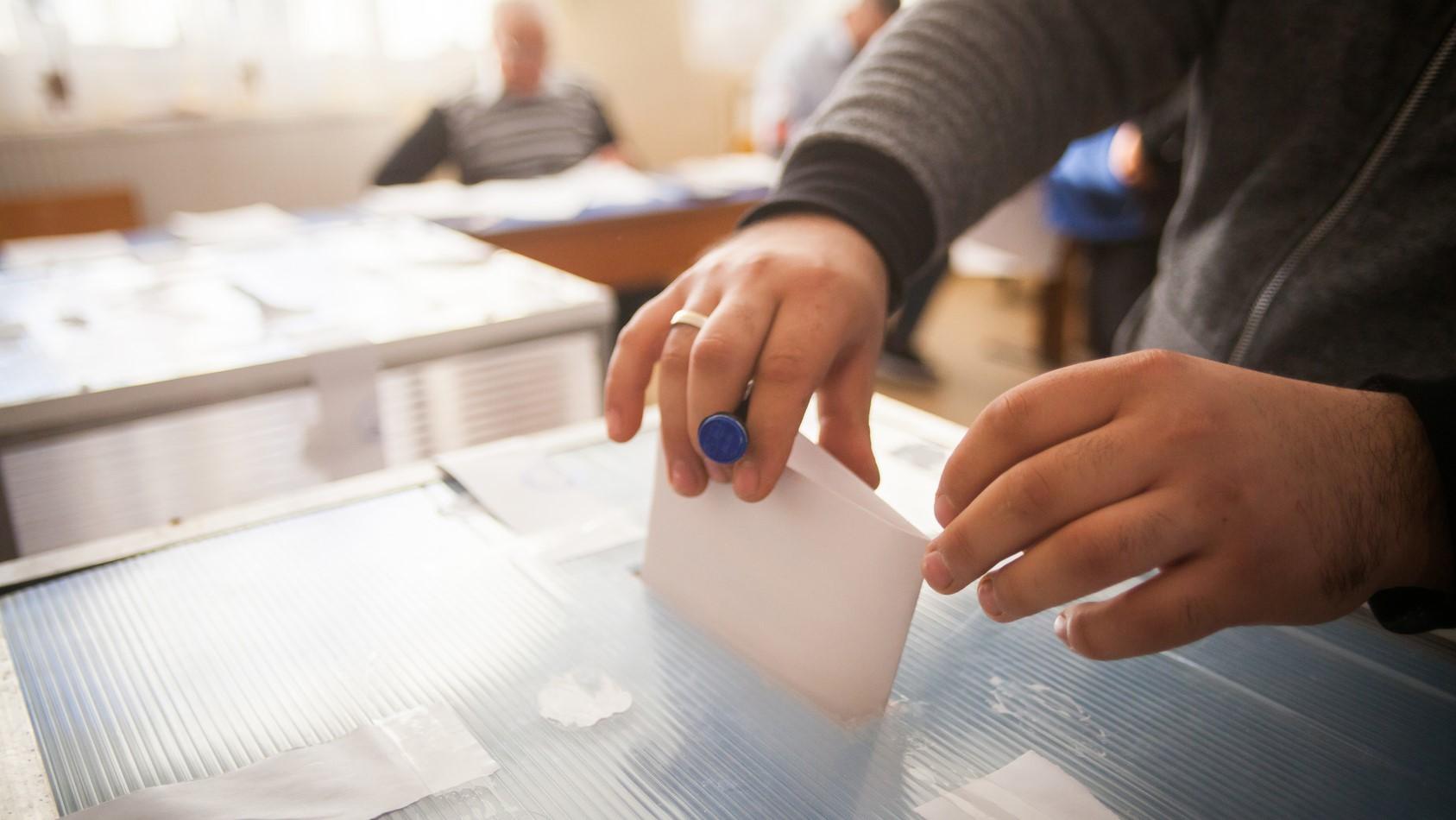 wybory urna głosowanie liczenie głosów - fotolia