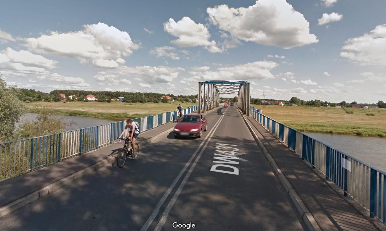 most w rogalinku - Google Maps - Street View