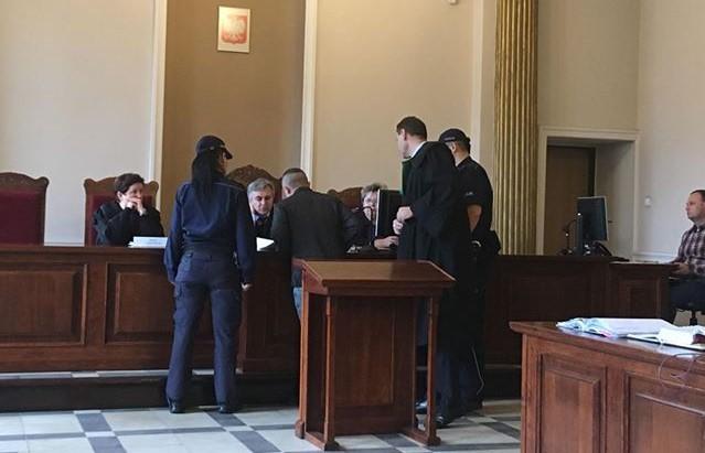 proces kalisz 18latek okaleczony strzał z broni prokuratura kalisz sąd - Danuta Synkiewicz