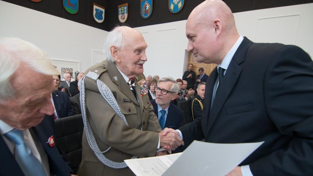 medale zbigniew hoffmann 100 lat niepodległości - Wojtek Wardejn
