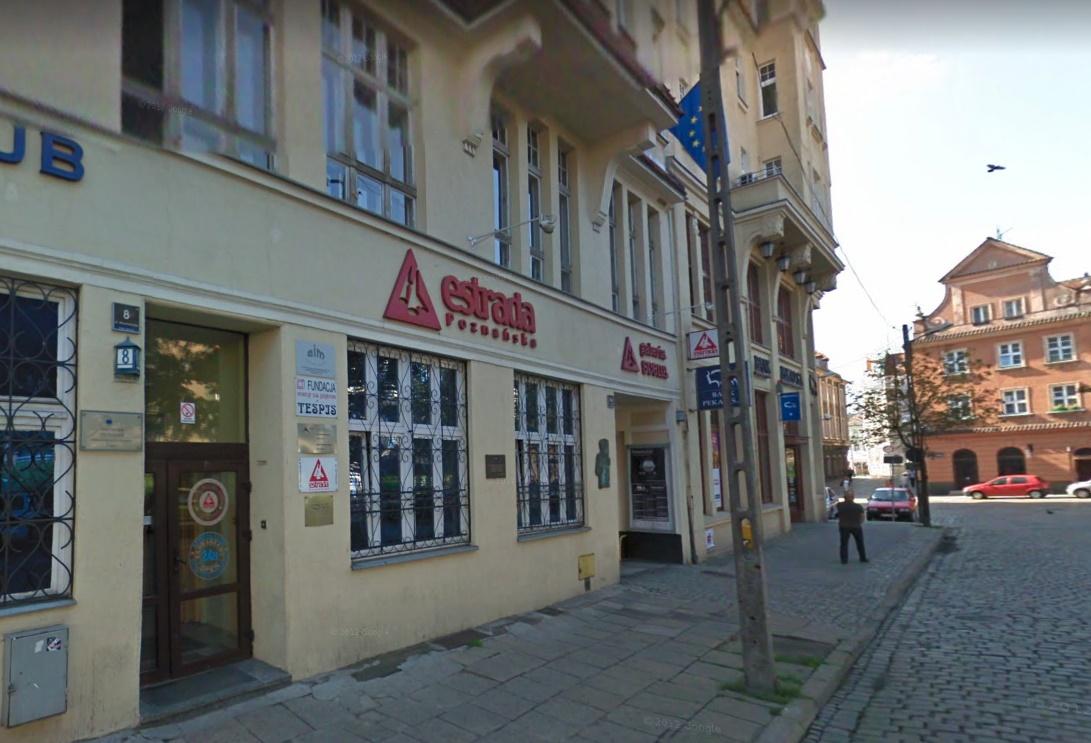 estrada poznanska budynek - Google Maps - Street View