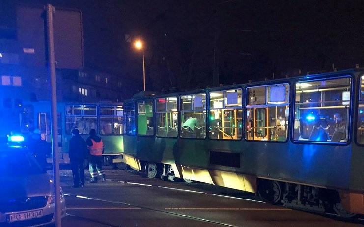 zderzenie dwóch tramwajów na grunwaldzie wypadek budziszyńska - Facebook