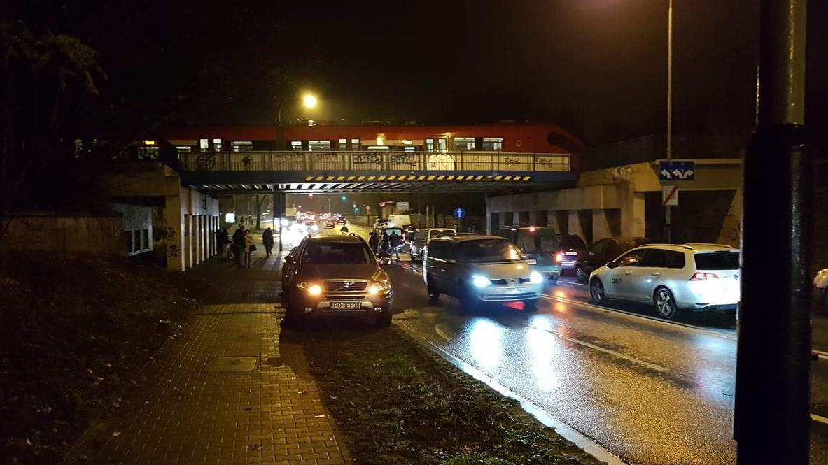 wypadek poznań garbary a wschód - TT: @Poznan_Leszno/Błażej