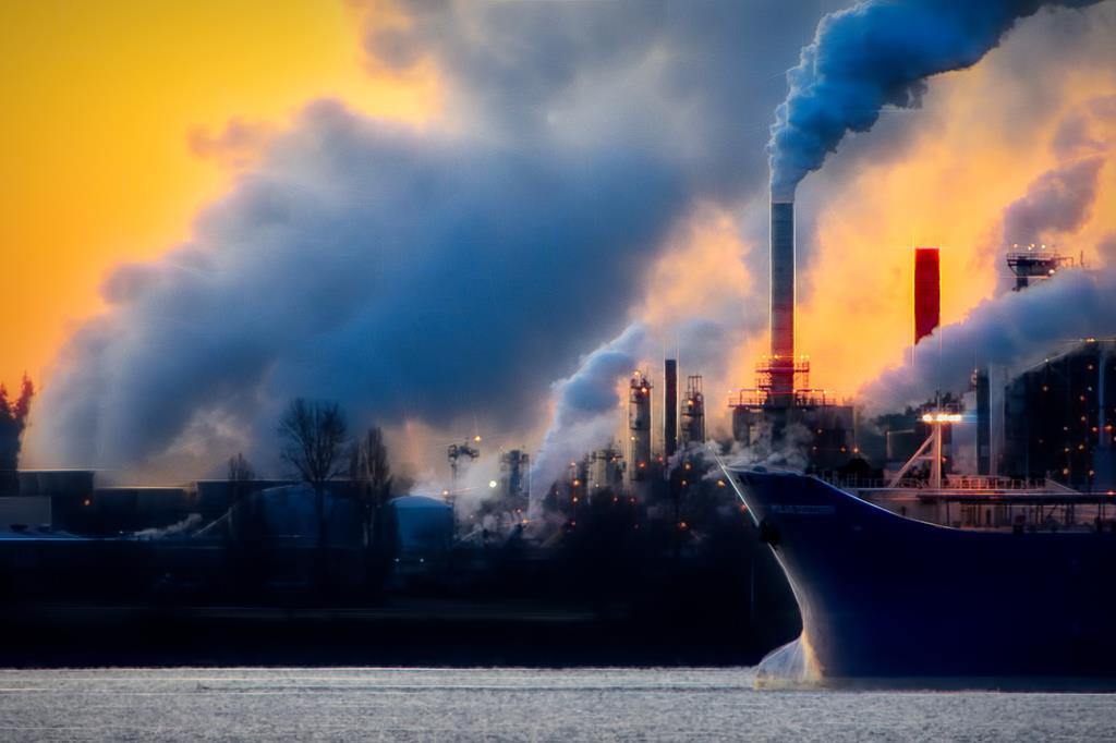 globalne ocieplenie klimat ekologia ekolodzy kominy fabryki paliwa kopalne - Pixabay