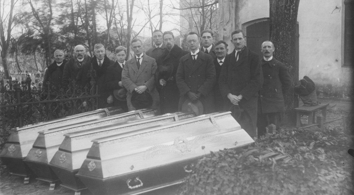 trumny pogrzeb historia