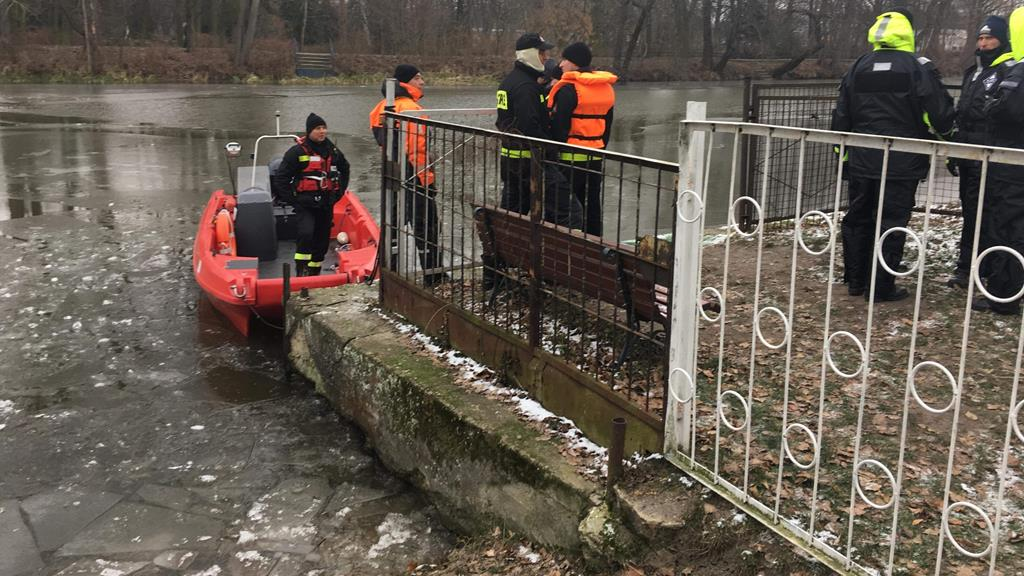 prosna łódź strażacy poszukiwania lód zima - Danuta Synkiewicz - Radio Poznań