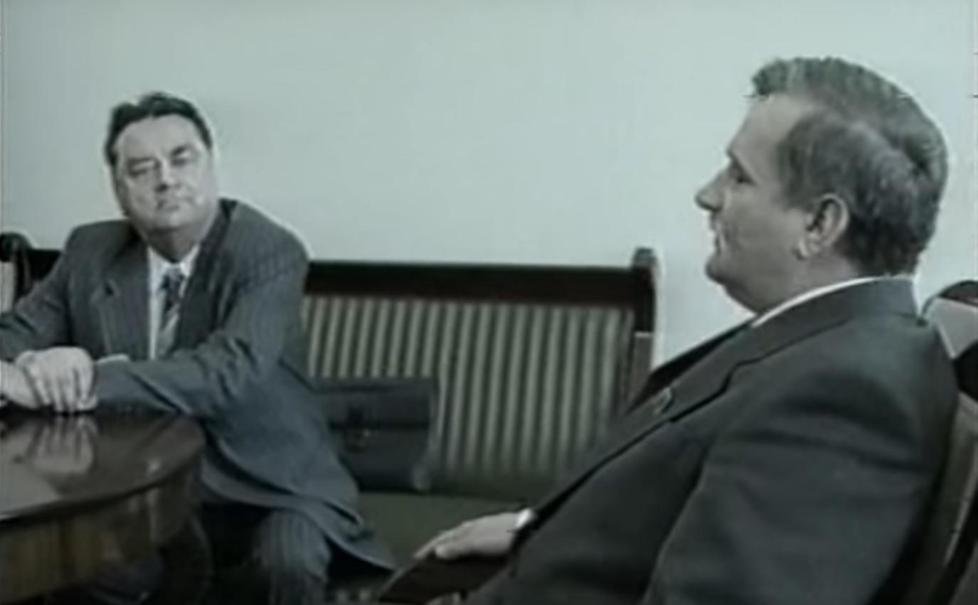 """olszewski wałęsa nocna zmiana - Kadr z filmu """"Nocna zmiana"""" - Jacek Kurski, Michał Balcerzak"""