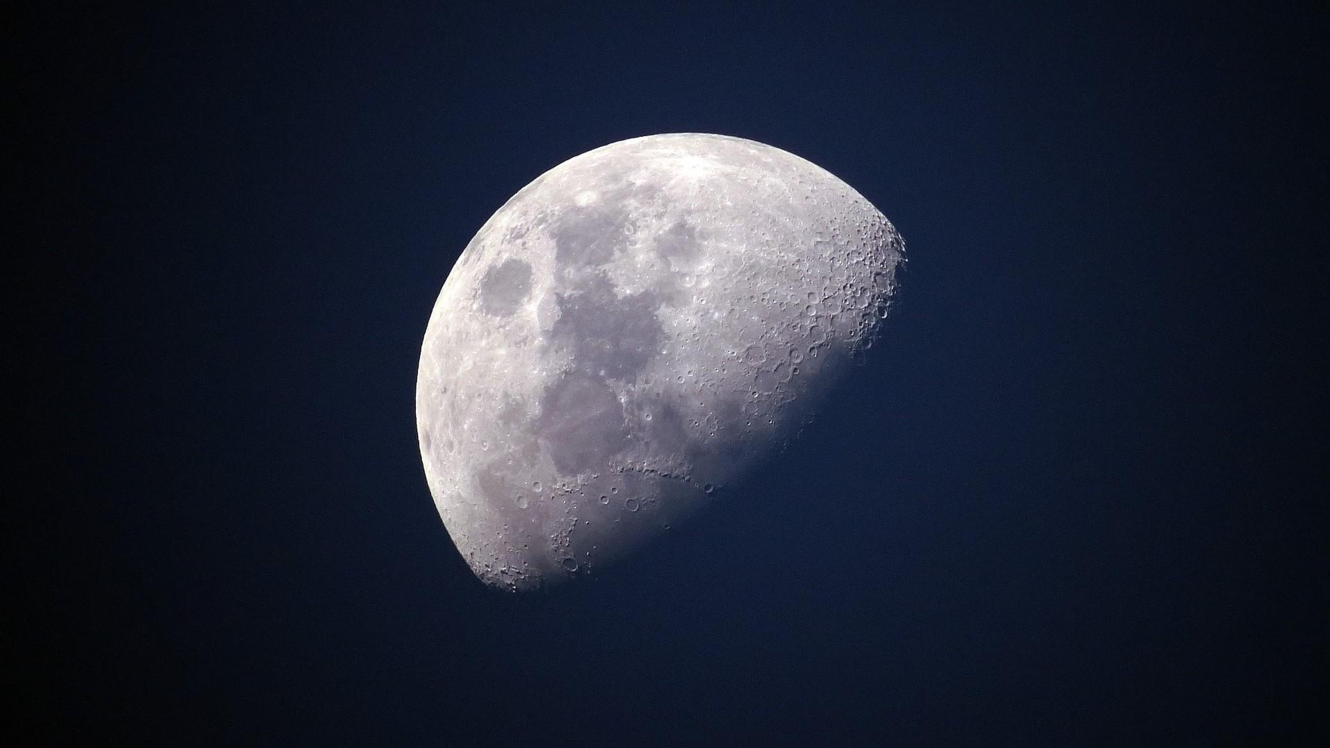 księżyc - pixabay