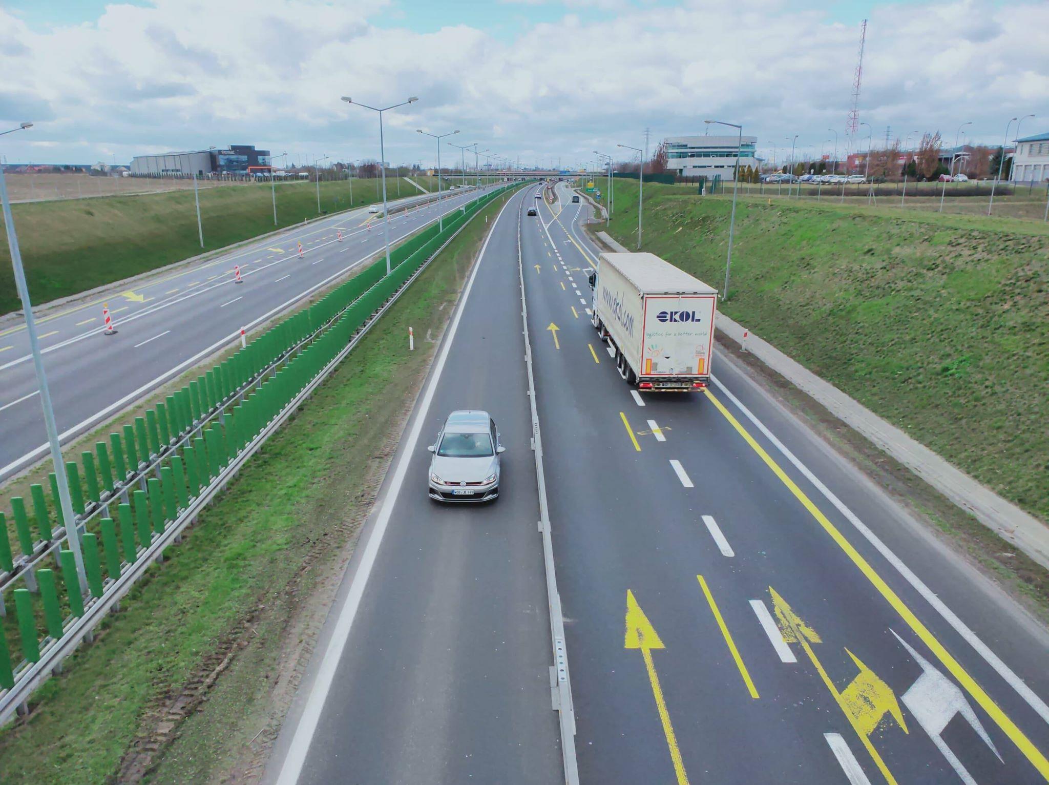 autostrada a2 zwężenie tiry 03 - Maciej Krzywoszyński