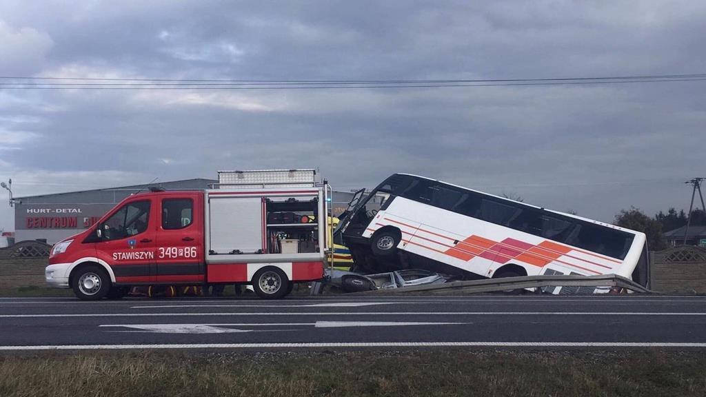 wypadek stawiszyn autobus bus - Facebook OSP Stawiszyn