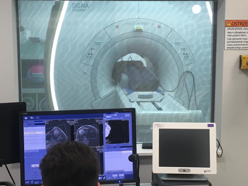 śrem badanie rezonansem magnetycznym  - Rafał Regulski