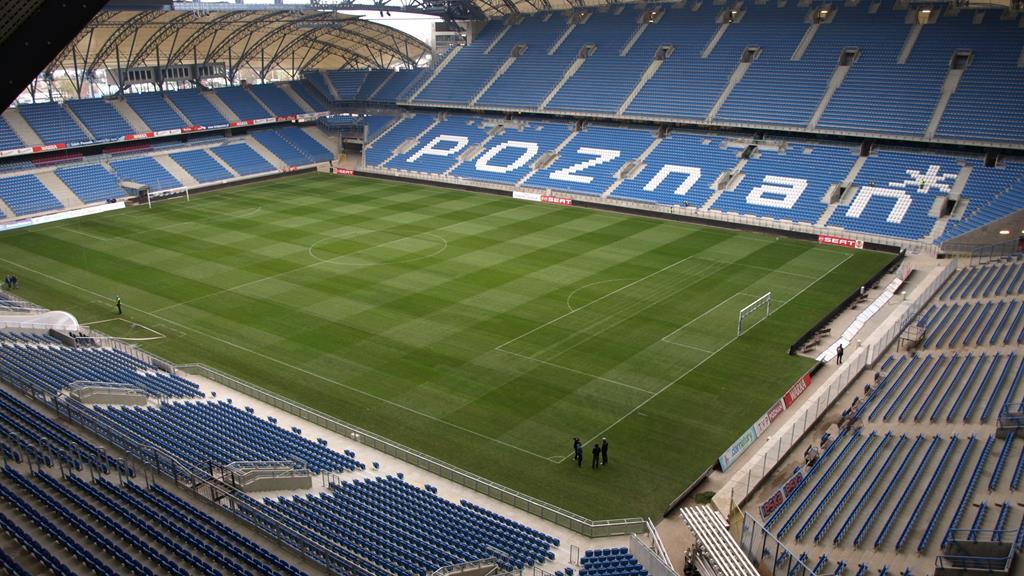 stadion lecha poznań - By Carte - od autora via e-mail, CC BY-SA 3.0, https://commons.wikimedia.org/w/index.php?curid=19720364