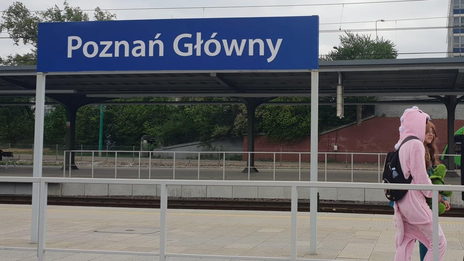 pyrkon uczestnicy wracają dworzec główny - Michał Jędrkowiak
