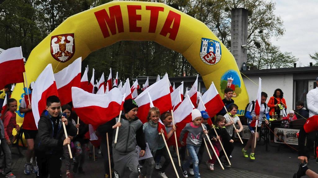 bieg z flagą środa wielkopolska - FB. Średzki BIEG Z FLAGĄ