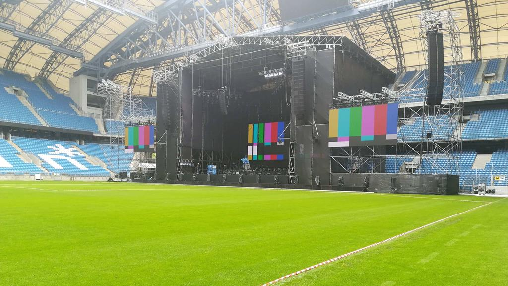 lech stadion scena koncert andrei bocellego trawa  - Sandra Soluk