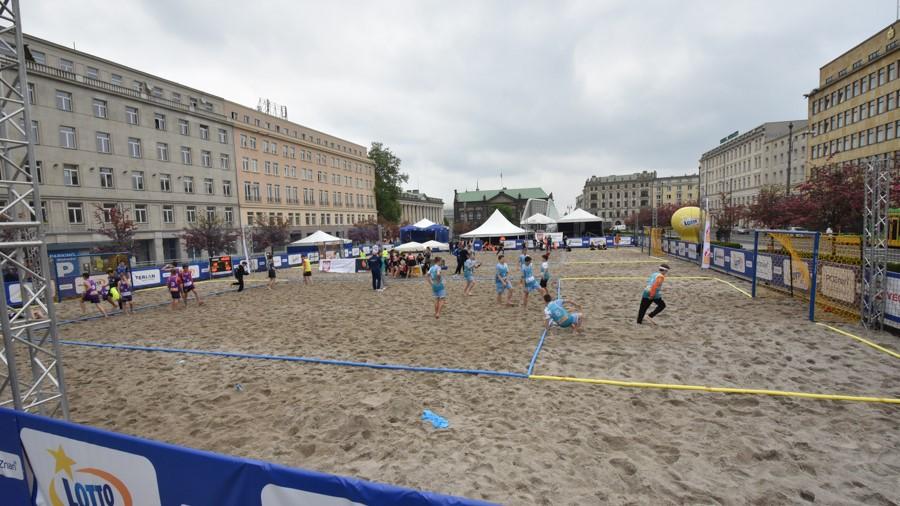 plaża na placu Wolności w Poznaniu - Wojtek Wardejn
