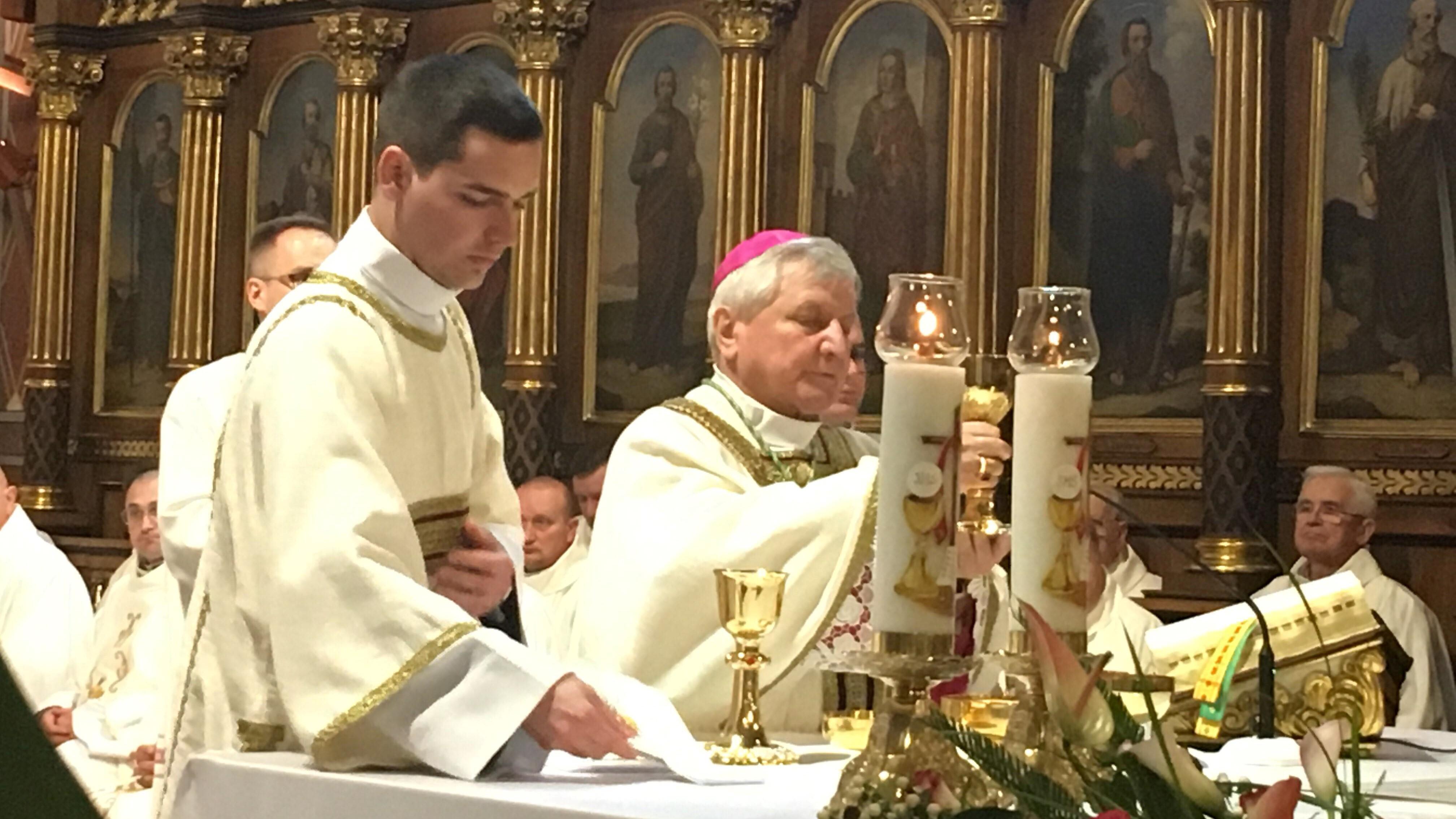 Biskup Edward Janiak  - Danuta Synkiewicz