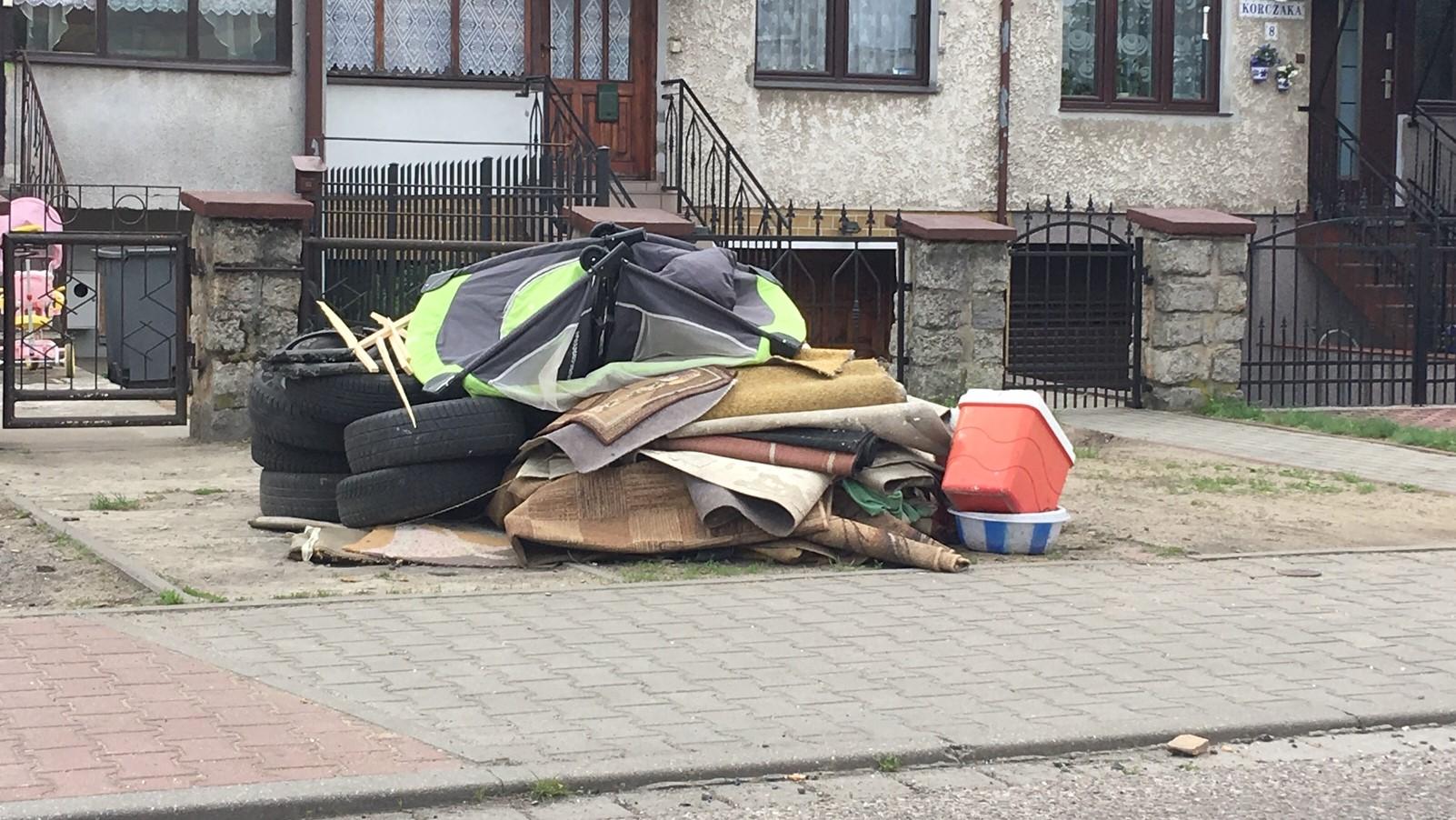 piła śmieci - Przemysław Stochaj