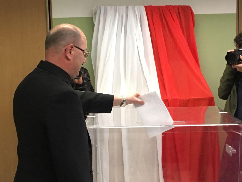 wojciech Polak wybory głosowanie urna - Rafał Muniak