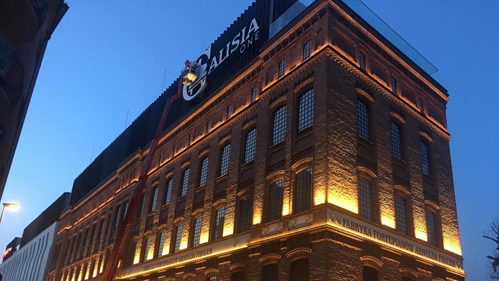 kalisz fabryka fortepianów hotel rewitalizacja - Danuta Synkiewicz