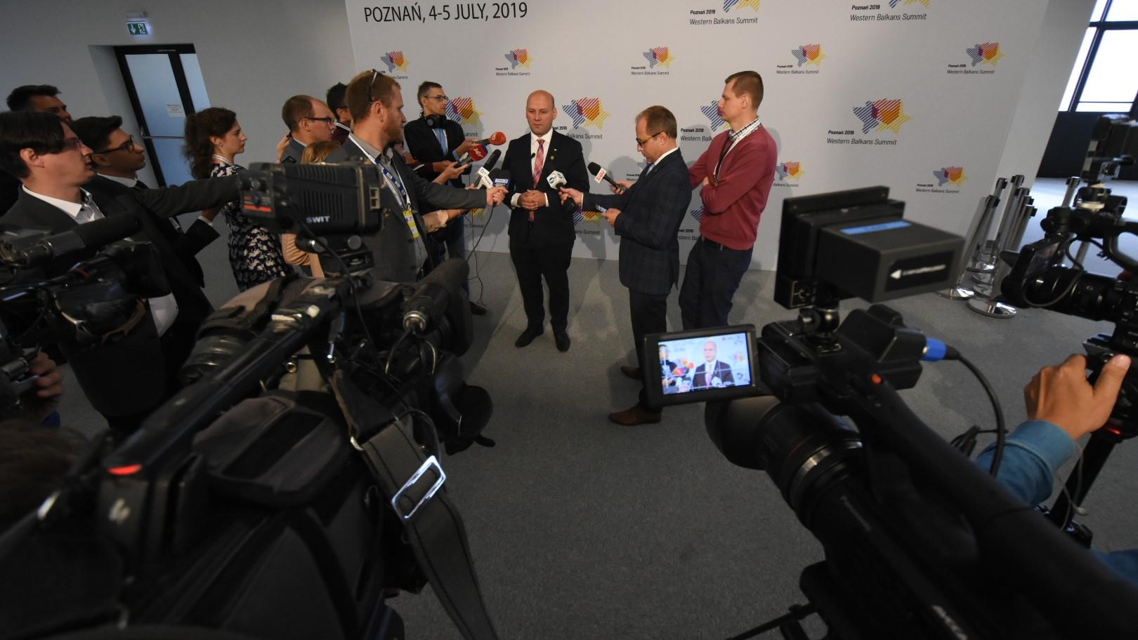 szczyt bałkański media - Wojtek Wardejn