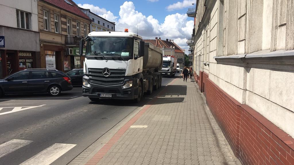 zamknięta obwodnica śmigla centrum śmigiel ruch auta - Jacek Marciniak