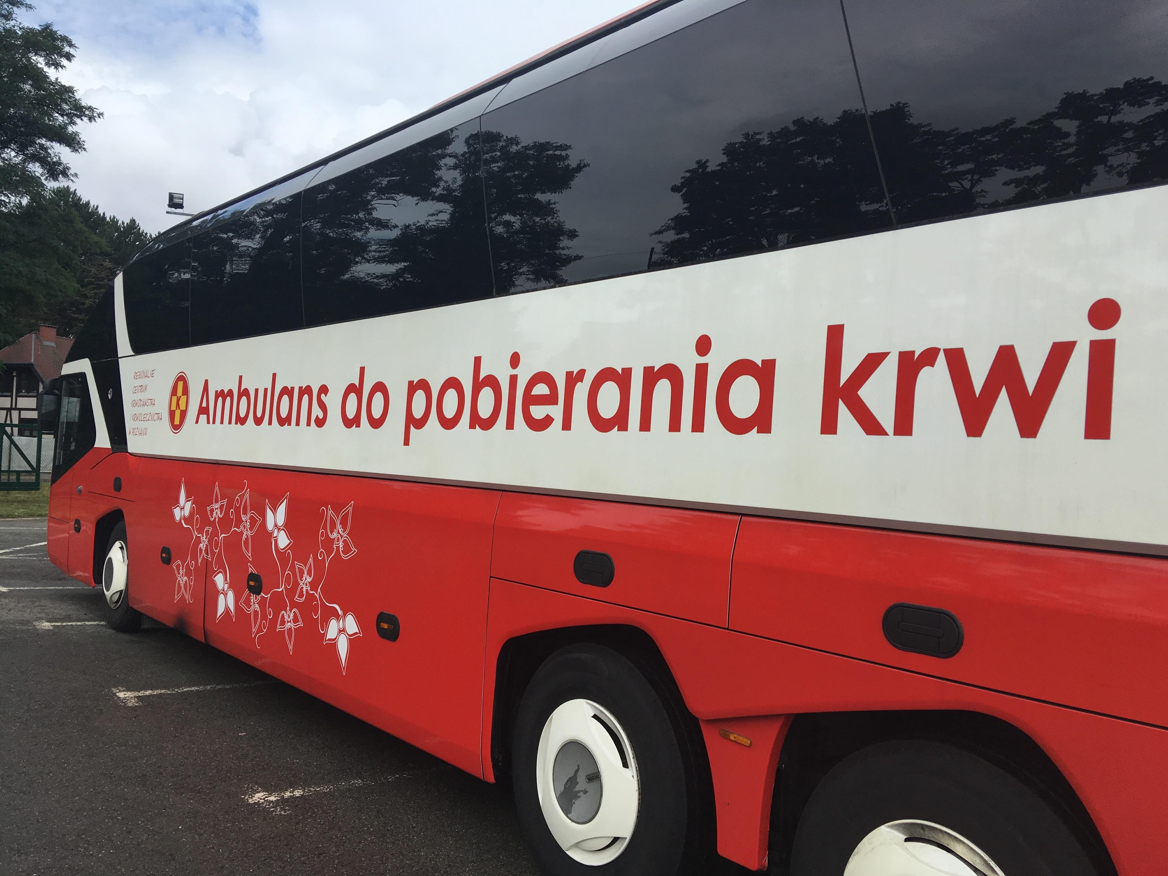 krew autobus laboratorium - Jacek Butlewski