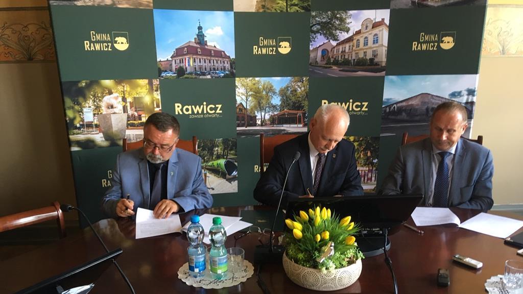 podpisali umowę na budowę mieszkania plus - Jacek Marciniak