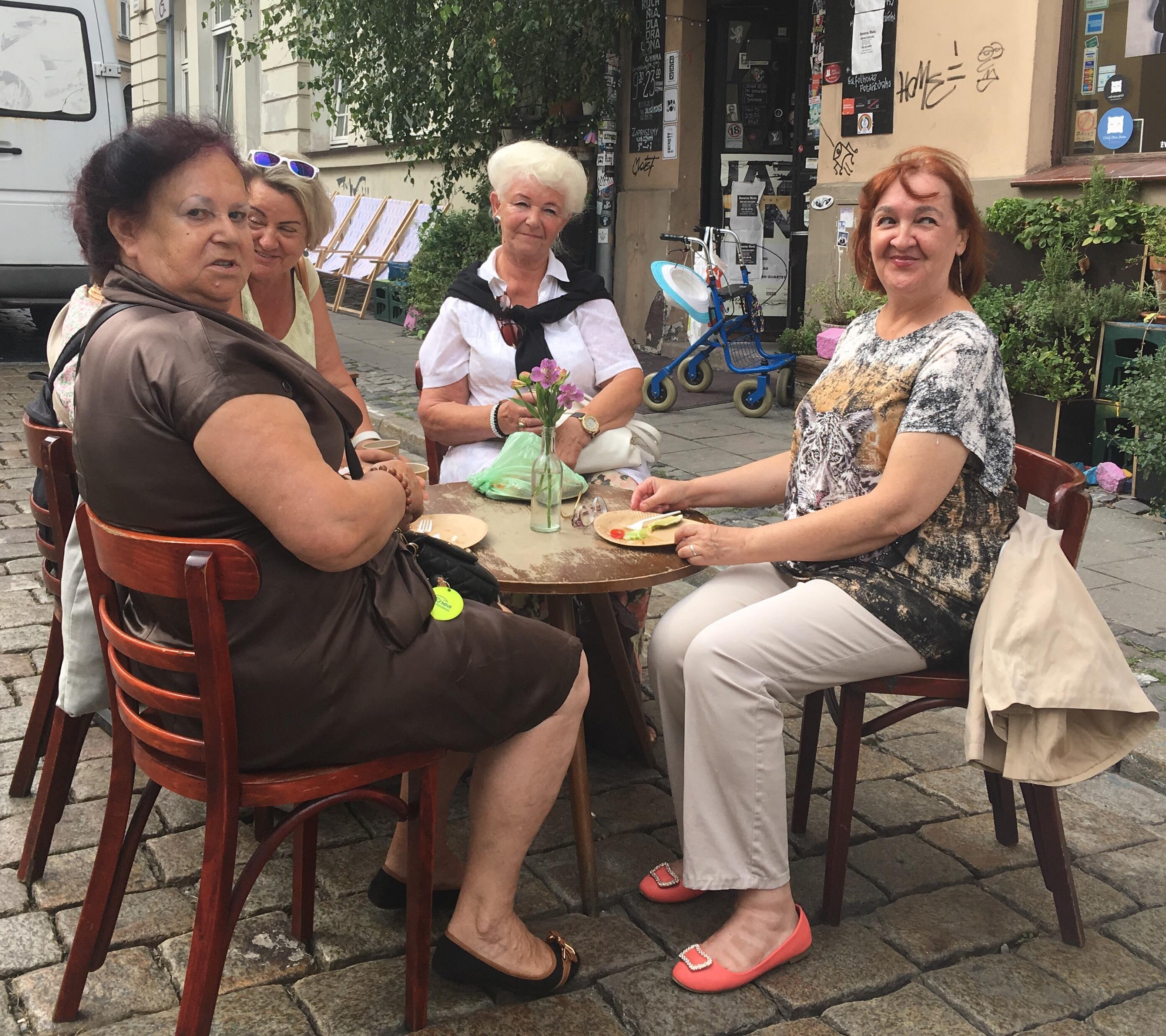 salon sąsiedzki wspólne śniadania  - Jacek Butlewski