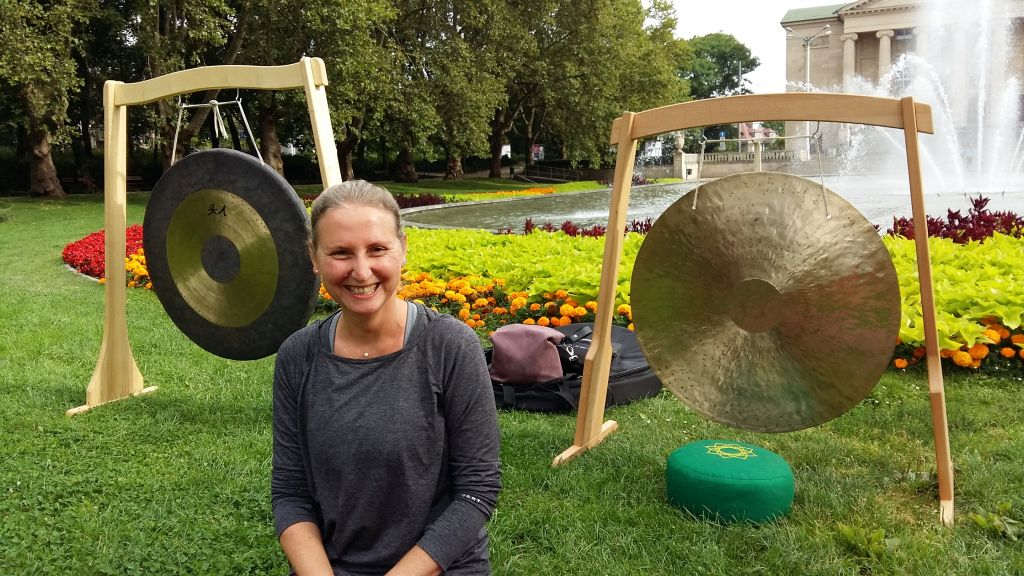 joga w parku gong mickiewicza - Magda Konieczna