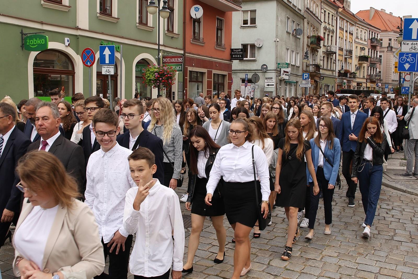 nauguracja roku szkolnego w I L.O w Kaliszu - UM Kalisz/Katarzyna Ciupek