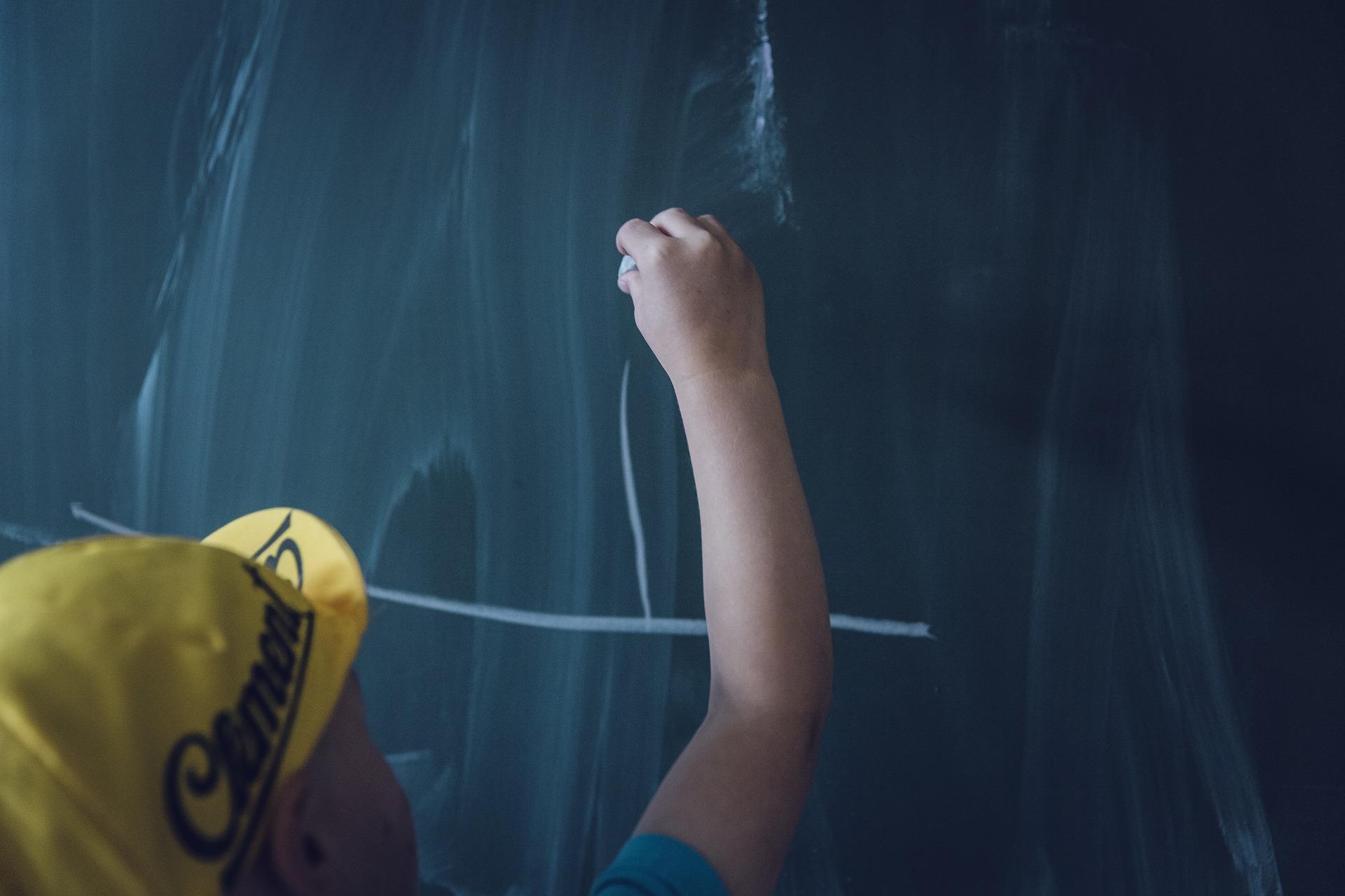 dzieci szkoła tablica - pixabay
