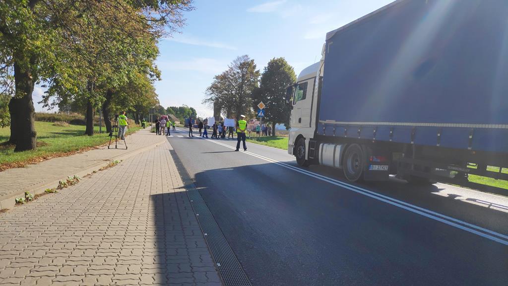 protest dk10 piła wałcz blokada  - Przemysław Stochaj