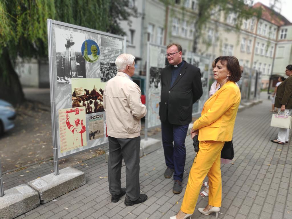 """""""Pielgrzym nadziei. Jan Paweł II na Ziemi Wielkopolskiej"""" - Przemysław Stochaj"""