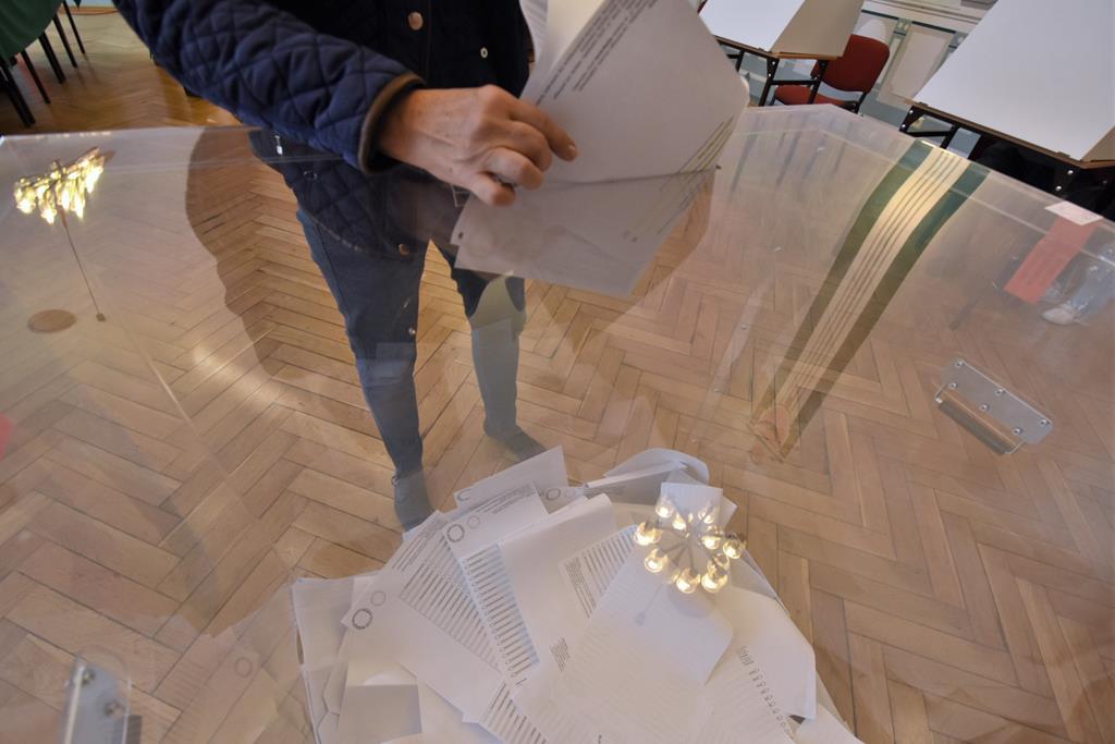 Głosowanie wybory 2019 - Wojtek Wardejn