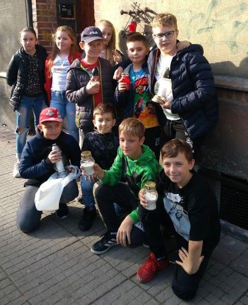 Uczniowie Szkoły Podstawowej nr 5 (z kl.4 i 5) w Gnieźnie