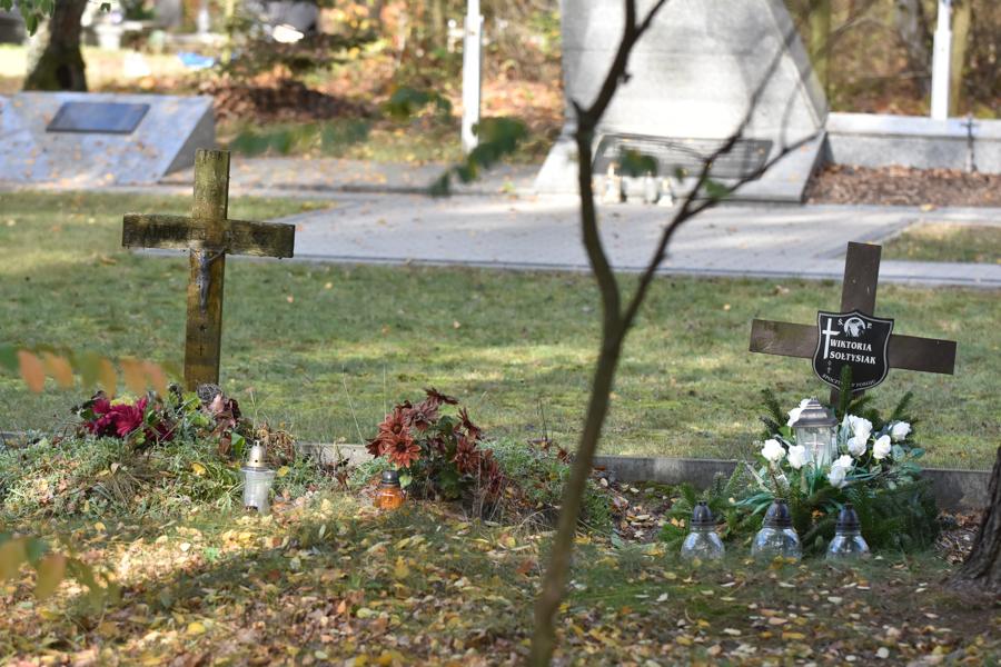 przed świętem zmarłych-56 - Wojtek Wardejn
