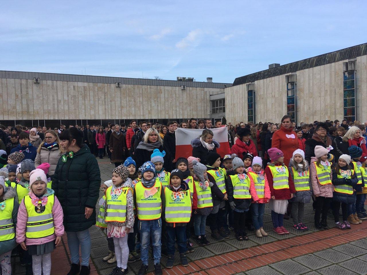 szkoły stanęły do hymnu gniezno - Rafał Muniak